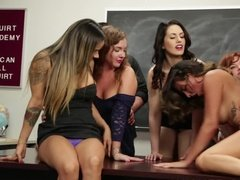 Hot girls getting sex party at school