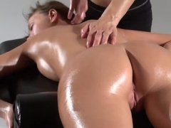 Lesbian increase their pleasure by massage